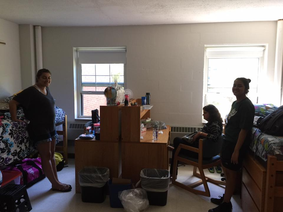 Move In Day (featuring my roommate and my mom)