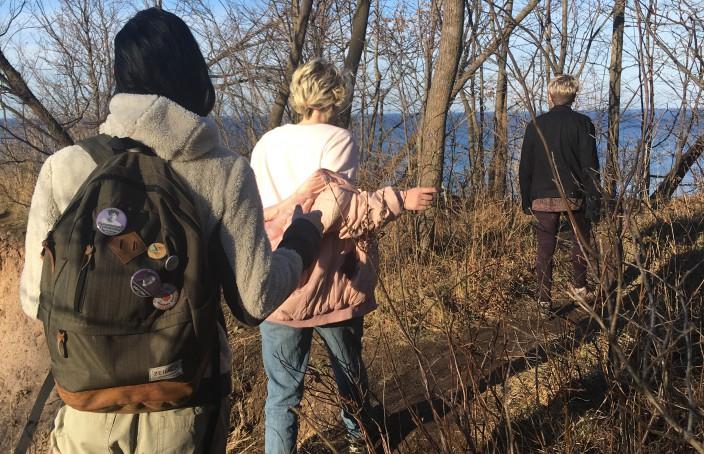 Mini hike to Chimney Bluffs